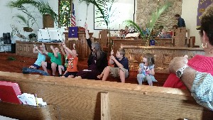 palm sunday kids5.jpg (300×169)